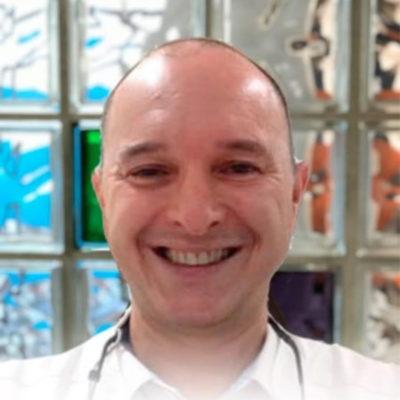 Cirujano Dental Eduardo Rey Echeverria